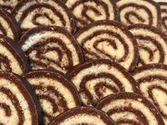 Bounty tekercs (mascaponés keksztekercs)   Kittina90 receptje - Cookpad receptek Animal Print Rug, Sweets, Food, Gummi Candy, Candy, Essen, Goodies, Meals, Yemek