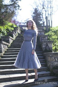Welcome to Veronica Filina. I am delighted to present Veronica Filina, a label of handmade luxury knitwear. Knit Skirt, Knit Dress, Dress Skirt, Crochet Woman, Knit Or Crochet, Knit Fashion, Look Fashion, Clothing Patterns, Dress Patterns