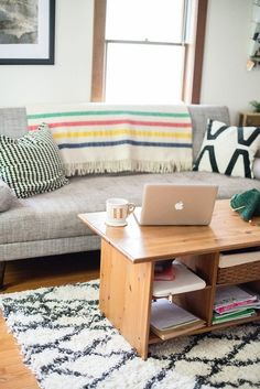 6 Simple Secrets To Dealing With A Small Living Room