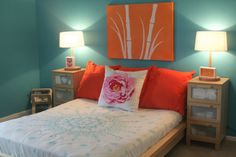 Turquoise walls with coral accents - LIKE!