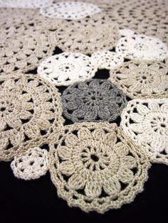 Mitä näistä on tulossa? Crochet Diagram, Crochet Patterns, Crochet Doilies, Crochet Earrings, Knitting, Rugs, Cushions, Pillows, Sweaters