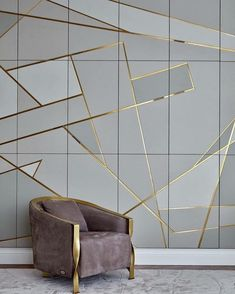 Moscow Apartment with Gold Geometric Wall Design Interior Walls, Home Interior Design, Interior Decorating, Wall Panel Design, Decoration Chic, Beton Design, Wall Cladding, Luxurious Bedrooms, Ceiling Design