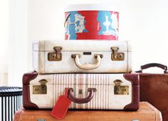 Reduce travel stress with this Holiday Travel Essentials Checklist from Real Simple. Vintage Suitcases, Vintage Luggage, Travel Necessities, Travel Essentials, Holiday Essentials, Packing Checklist, Packing Lists, Packing Ideas, Travel Packing