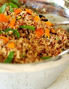 Red Rice and Quinoa Salad with Apricots and Pistachios. each quinoa and red rice in steamer basket, pour over water and TM on 20 min speed Whole Food Recipes, Cooking Recipes, Quinoa Salad, Rice Salad, Pistachios, Recipe Today, Salad Recipes, Side Dishes, Veggies