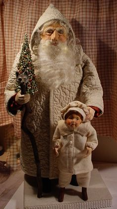 This is Santa, he needs a leather bag, he too will have to wait for it is late. See you tomorrow. (decamp)