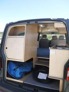 Mounted downhill 2 rails more upright - Home Decoration Bus Camper, Camper Life, Camping Hacks, Van Camping, Mercedes Vito Camper, Transit Custom, Vw Lt, Camper Van Conversion Diy, Campervan Interior