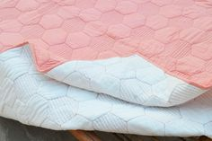 Coral quilted bedspread hexagon pattern cotton quilt 100%