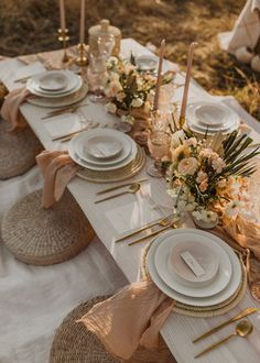 Terra Nomad- Gallery — Aeipathy Studio Photo: Anna Landstedt Photography Nude/ clay/ terracotta colours raw and natural tablescape tablescapes/ party style Terra Nomad- Gallery — Aeipathy Studio Photo: Anna Landstedt Photography Nude/ clay/ terraco Wedding Table Decorations, Wedding Table Settings, Decoration Table, Dessert Ideas For Wedding, Outdoor Table Settings, Elegant Table Settings, Wedding Ideas, Wedding Tables, Wedding Receptions
