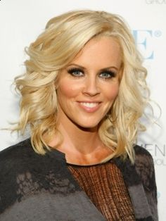 Jenny McCarthy Hair Style Evolution - One of the most sought-after actresses and ex-playmates, Jenny McCarthy managed to achieve success thanks both to her charisma as well as to her flawless look. The Jenny McCarthy hair style evolution presented below provide us with the best inspiration to sport both our long as well as midi locks in the most stylish ways. Pick your own favorite from the multitude of hair dressing trends illustrated below by Jenny's most stylish dos.