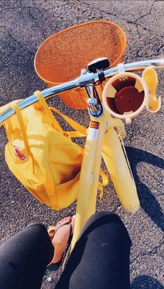 Learning to ride a bike is no big deal. Learning the best ways to keep your bike from breaking down can be just as simple. Aesthetic Colors, Summer Aesthetic, Aesthetic Photo, Aesthetic Pictures, Aesthetic Yellow, Vsco, Oldschool, Happy Vibes, Happy Happy Happy
