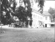 COLLECTIE TROPENMUSEUM Hoofdingang van Hotel des Indes in Batavia TMnr…