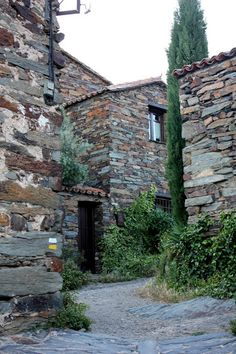 Pueblode Patones, Madrid (Spain) http://marinamonterophoto.blogspot.com.es/2013/04/pueblo-de-patones-sierra-de-madrid.html