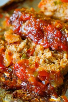 Sausage and Peppers Meatloaf is an easy meatloaf recipe using two pounds of mild Italian sausage meat and loaded with diced green peppers, red peppers and onions all in a sweet and spicy tomato sauce. Italian Sausage Recipes, Mince Recipes, Sweet Italian Sausage, Beef Recipes For Dinner, Pork Recipes, Cooking Recipes, Amish Recipes, Dutch Recipes, Cajun Recipes