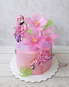 It's Pink Flamingo Day, Sweets fans, and as a Floridian I feel it's my patriotic duty to bring you only the finest feathered cakes. Flamingo Cake, Flamingo Birthday, Pink Flamingos, Pretty Cakes, Beautiful Cakes, Amazing Cakes, Cake Wrecks, Fondant Cakes, Cupcake Cakes