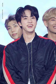 Jin: Hhaha yeah I'm so handsome! Rap Monster: Notice me hyung jin! Bts Jin, Jungkook Jeon, Jin Kim, Jungkook Abs, Bts Bangtan Boy, Seokjin, Namjoon, Taehyung, Daniel Molo