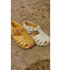 Pedir SANDALIAS CONFETTI | Amplia selección de sandalias para niño en nuestra zapatería online. http://www.migatitopepo.es/3-calzado-nino #calzadoinfantil #calzadoniña