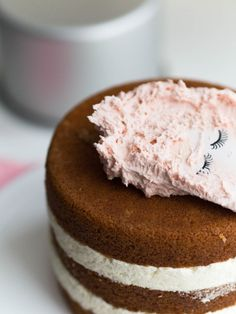 Monipuolinen Voikreemi Most Delicious Recipe, Delicious Cake Recipes, Yummy Cakes, Dessert Recipes, Desserts, Cake Fillings, Easy Baking Recipes, Crazy Cakes, Frosting Recipes