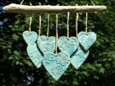 Ceramic garden wind chime with driftwood heart blue (4)