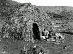 Apache Wickiup, 1903, Edward S. Curtis, no location