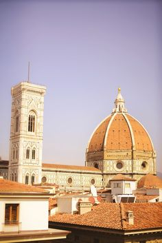Terracotta roof tops, hidden courtyards and streets alive with historical features. Florence is a city to get lost in with your camera. Roam under the Tuscan sun and soak up the Italian culture in the city where bicycles and motorbikes are more popular than cars. Below is a little guide and map to the best …