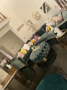 Decor Home Living Room, Cozy Living Rooms, Home Decor Furniture, Home Bedroom, Living Room Designs, Bedroom Decor, Girl Apartment Decor, First Apartment Decorating, Apartment Living