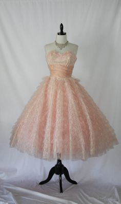 Vintage 1950's Pink and White Lace and Tulle Strapless Wedding Frock @VintageFrocksOfFancy $215 #looksgoodonya