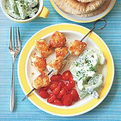 Broiled Greek Chicken with Pitas-- Use wholewheat pitas and nonfat greek yogurt to keep this dish yellow-light #lunch   www.kurbo.com