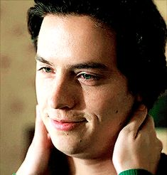 """jemmablossom: """""""" jones being hopelessly in love with betty cooper in season three """" """" Cole Sprouse Jughead, Cole M Sprouse, Dylan Sprouse, Riverdale Archie, Bughead Riverdale, Riverdale Memes, Baker Image, Cole Sprouse Shirtless, Sprouse Bros"""