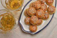 A leggyorsabb, legegyszerűbb, legpuhább túrós pogácsa receptje - Receptek | SóBors Izu, Pretzel Bites, Cheddar, Bread, Food, Cheddar Cheese, Brot, Essen, Baking