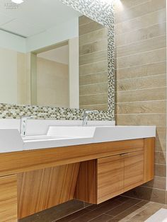 Midtown Architecture Inspires SmithMaran for Insight Venture Partners Ada Bathroom, Modern Bathroom, Small Bathroom, Bathroom Inspo, Bathrooms, Ada Restroom, Restroom Design, Interior Design Magazine, Office Interior Design