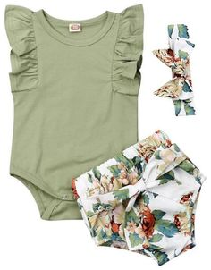 Baby Girl Olive Ruffled Floral Set - - Beautiful set for your baby girl Stylish ruffle onesie with trendy floral shorts Matching headband includes The perfect outfit is the last piece of a puzzle in your perfect family picture. Baby Outfits, Outfits For Teens, Trendy Baby Clothes, Baby Kids Clothes, Cute Baby Girl, Cute Babies, Pic Baby, Babies Stuff, Baby Girl Fashion