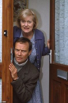 Elizabeth and Emmett. Love these two! (Keeping Up Appearances) Poor Elizabeth, Hyacinth drove her crazy! British Comedy Series, British Tv Comedies, British Actors, Classic Comedies, Bbc Tv Shows, Keeping Up Appearances, British Humor, Comedy Tv, Classic Tv
