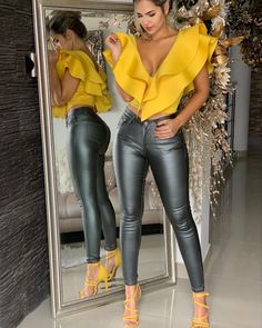 Pin by mohammadiizz on brand in 2019 fashion, fashion outfits, leather Classy Outfits, Chic Outfits, Hijab Fashion, Fashion Outfits, Leather Pants Outfit, Business Outfits Women, Mode Jeans, Turkish Fashion, Love Fashion