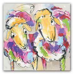 Kleurrijke schapen schilderij. De schaapjes zijn vrolijk en staan op het punt ondeugd uit halen! Het kleurrijke schilderij is door onze kunstenaars met paletmes geschilderd, hierdoor is de verf dik en pasteus opgebracht. De lijnvoering is trefzeker. Met dit schilderij heb je een prachtige eyecatcher voor je muur!