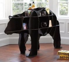 This bear table would just be fantastic in a Baylor fan's home!