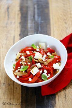 Un dejeuner de soleil: Salade de poivrons rôtis et feta