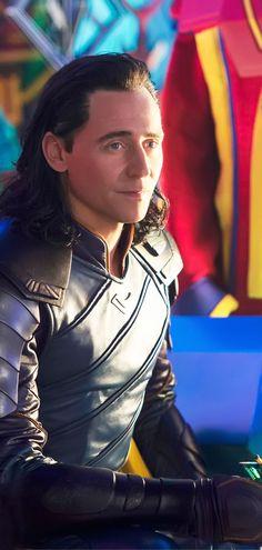 Tom Hiddleston as Loki in Thor: Raganarok. Higher resolution image (UHQ): https://i.imgbox.com/9XPszD5R.jpg Source: https://news.marvel.com/movies/61789/thor-ragnarok-brings-thunder-9-new-images/