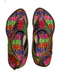 dda538e363ef0 US WOMEN S PARTY WEAR INDIAN EMBROIDERY PUNJABI JUTTI SANDALS COLORFUL SHOES   fashion  clothing