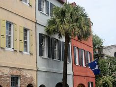 A great blog post on things to do and where to eat in Charleston, SC.