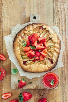 Tarte rustique pommes fraises
