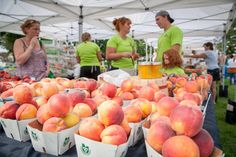 The best farmers' markets in Toronto make it easy for you to stock up on fresh produce, organic meat and a slew of scratch-made baked goods and art...