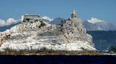 Portovenere vista dal mare chiesa di san pietro la spezia
