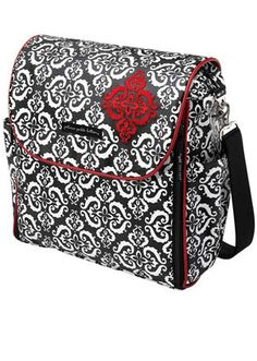 Petunia Pickle Bottom - Who says diaper bags have to be frumpy? #babycenterknowsgear  @babycenter
