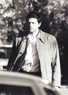 """Cas with his trench coat (but without his tie) 9x10 """"Road Trip"""" #Supernatural"""