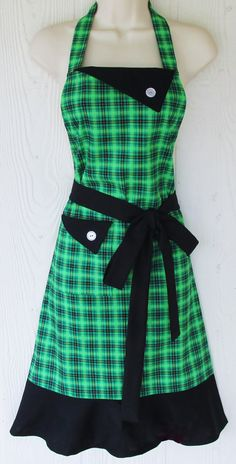 Green Plaid Apron, St Patricks Day Apron, Kelly Green, Retro Style Apron, KitschNStyle  This apron is a green, yellow and black plaid - perfect for