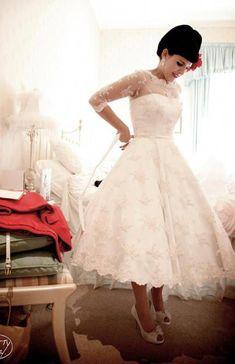 new ideas wedding dresses vintage pin up Tea Length Wedding Dress, Tea Length Dresses, Elegant Wedding Dress, 50s Style Wedding Dress, Bridal Gowns, Wedding Gowns, 50s Wedding, Wedding Ideas, Rockabilly Wedding Dresses