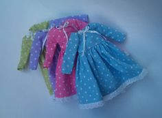 Polka dot dress for Blythe by RainbowDaisies on Etsy