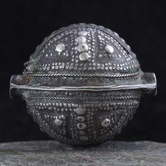 """*!* Antique """"AGRAB AL FADDA"""" SILVER bead. 28 x 24 mm. MAURITANIA"""