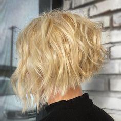 25 Trendiest Ways to Have a Short Blonde Bob Right Now Ash Blonde Bob, Blonde Bob With Bangs, Dark Blonde Bobs, Blonde Bob Haircut, Blonde Bob Hairstyles, Blonde Ombre, Latest Hairstyles, Straight Hairstyles, Blonde Hair