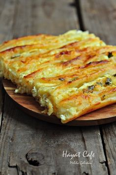this is the borek! Pastry Recipes, Dessert Recipes, Cooking Recipes, Good Food, Yummy Food, Tasty, Pizza Pastry, Turkish Recipes, Finger Foods